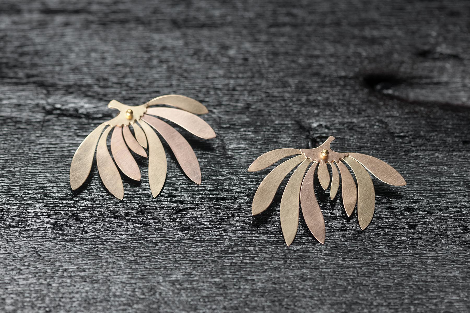 Ohrschmuck 'Blüte' mit 5 Goldlegierungen 750