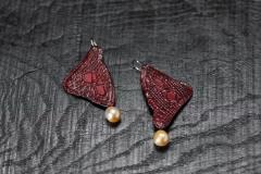 Urushi-Ohrschmuck Flügel, urushi, Spitzen, Perlen aus dem Roten Meer, Gold 750