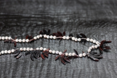 Urushi-Kette 'Perlen-Blätter', urushi, Perlen aus dem Roten Meer, Silber 925